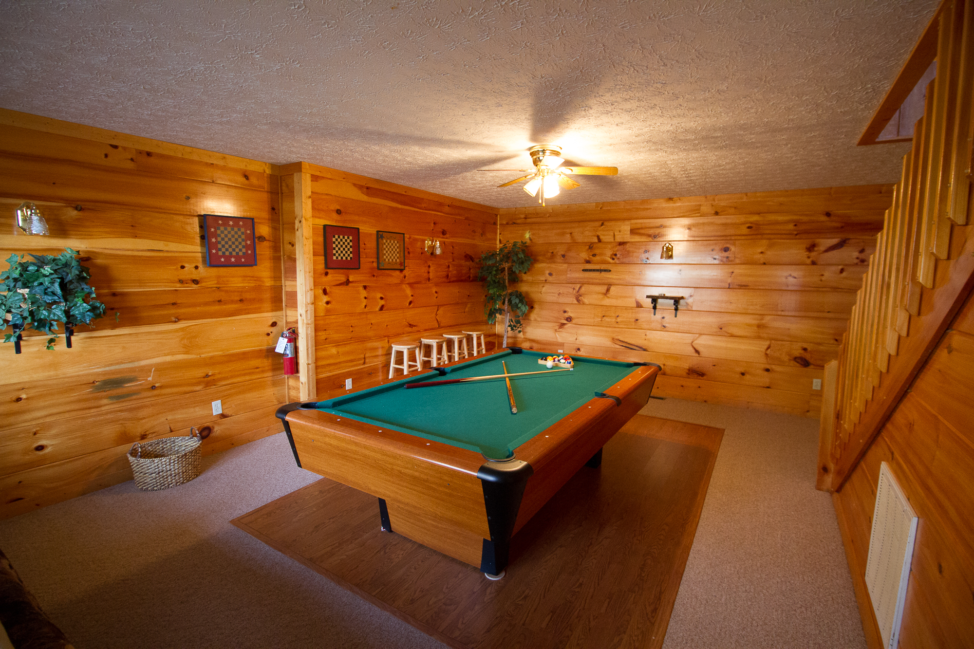 near lane pigeon mile bedroom log forge cabin pin stop dollywood to tn teaster trolley cabins